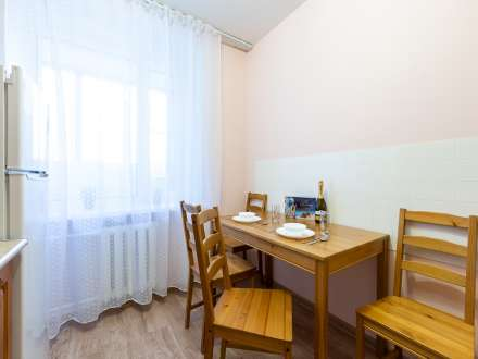 1 bedroom apartment 5 minutes from the metro