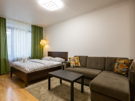 1-bedroom near the Patriarshy Ponds